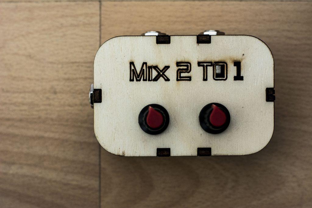 Mix2To1 - Mixer Splitter