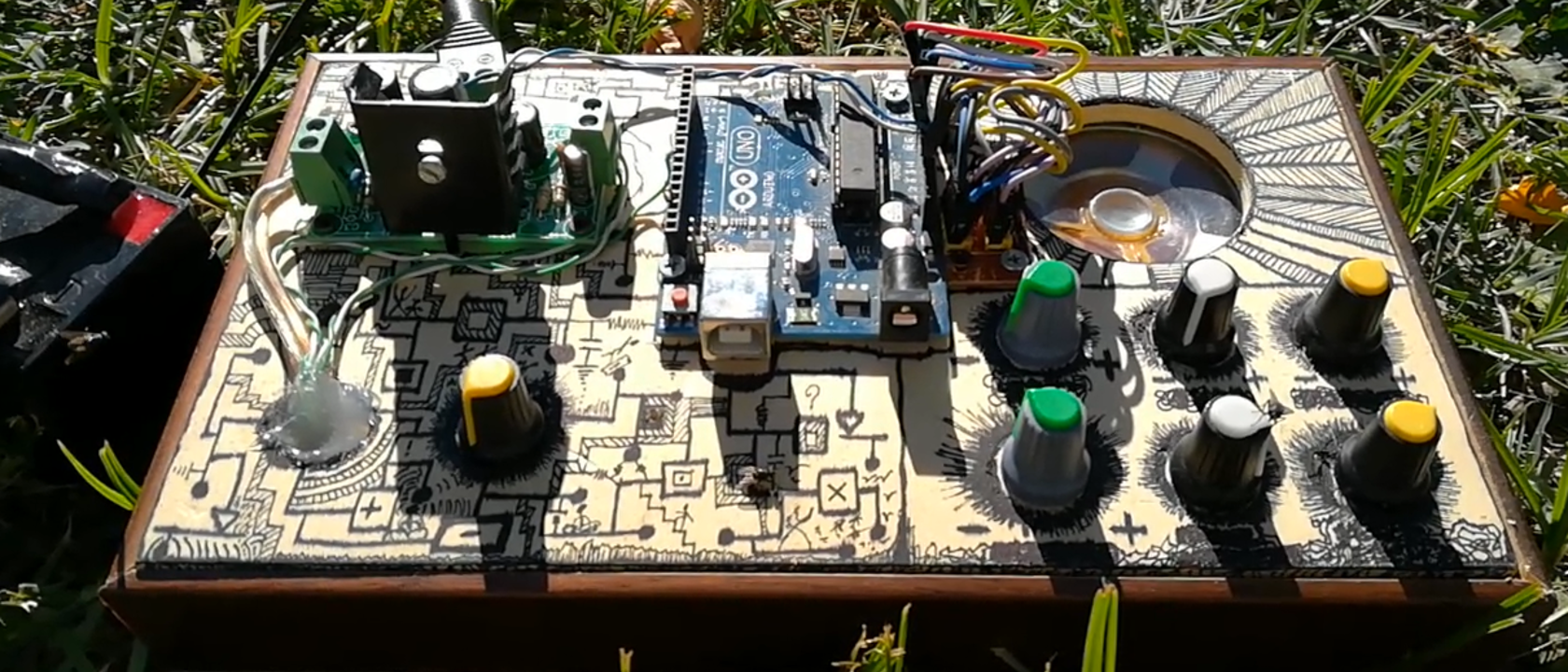 AutoSynth: un synth DIY con Arduino